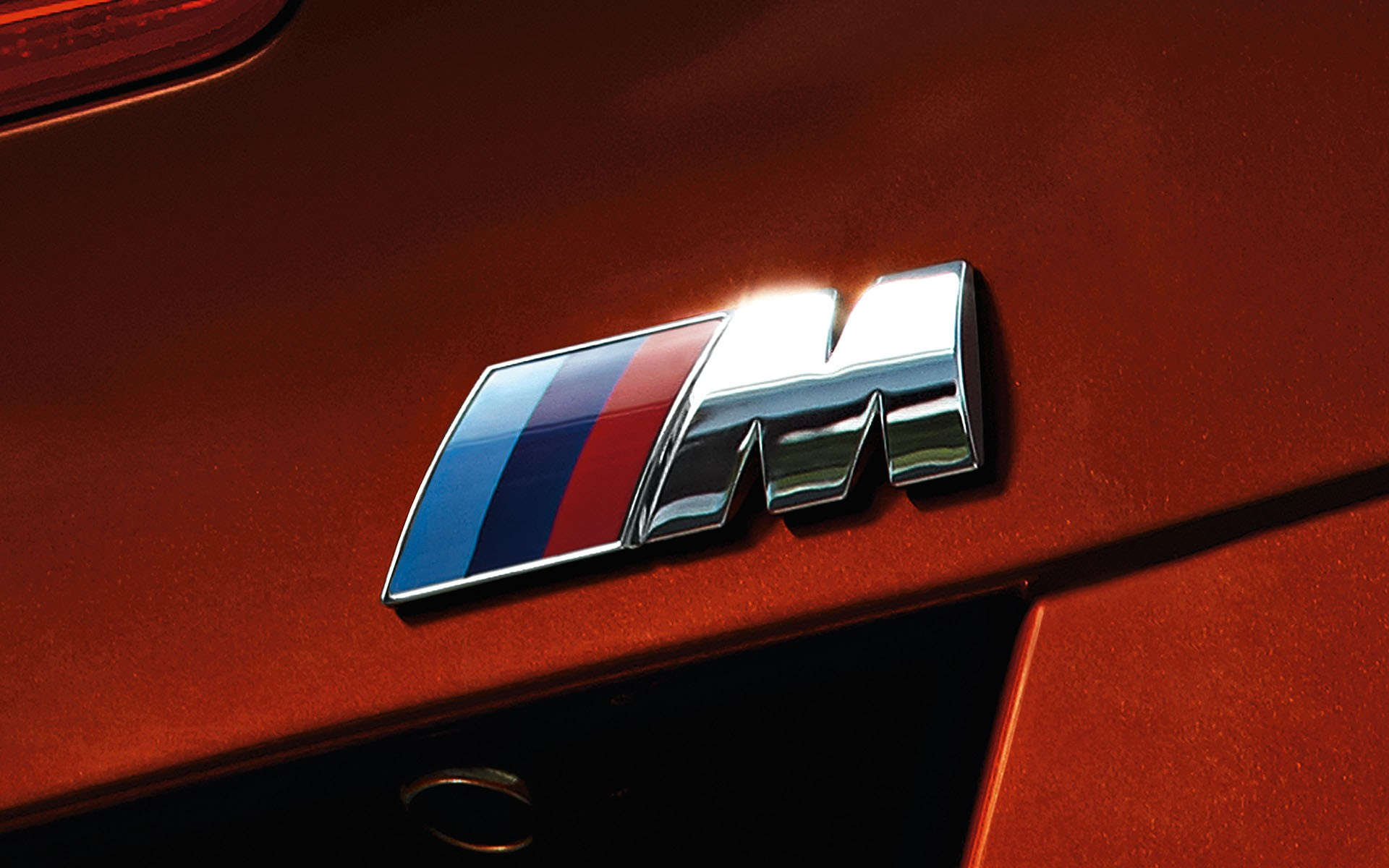 background - BMW M140i - hothatch s šestvalcom(!)